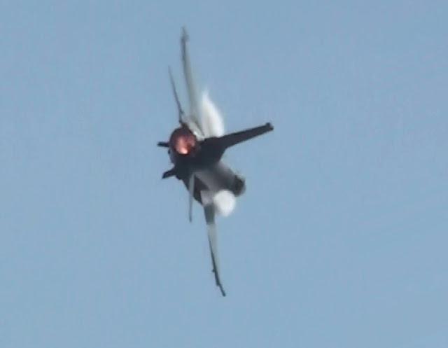 Pesawat Jatuh Hari Ini di Solo HOAX, Ini Penyebab Suara ...