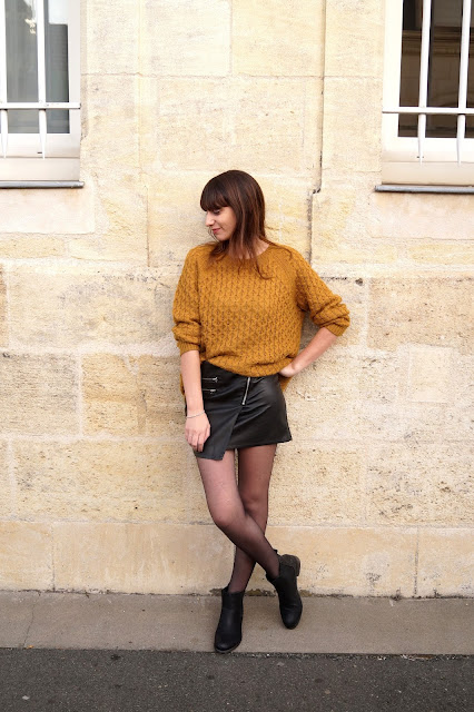 jupe simlili cuir pull moutarde blog mode bordeaux