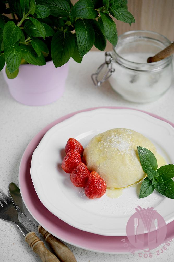 Pampuchy truskawkowe
