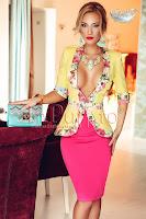 Compleu dama elegant cu sacou galben si fusta roz (Atmosphere)