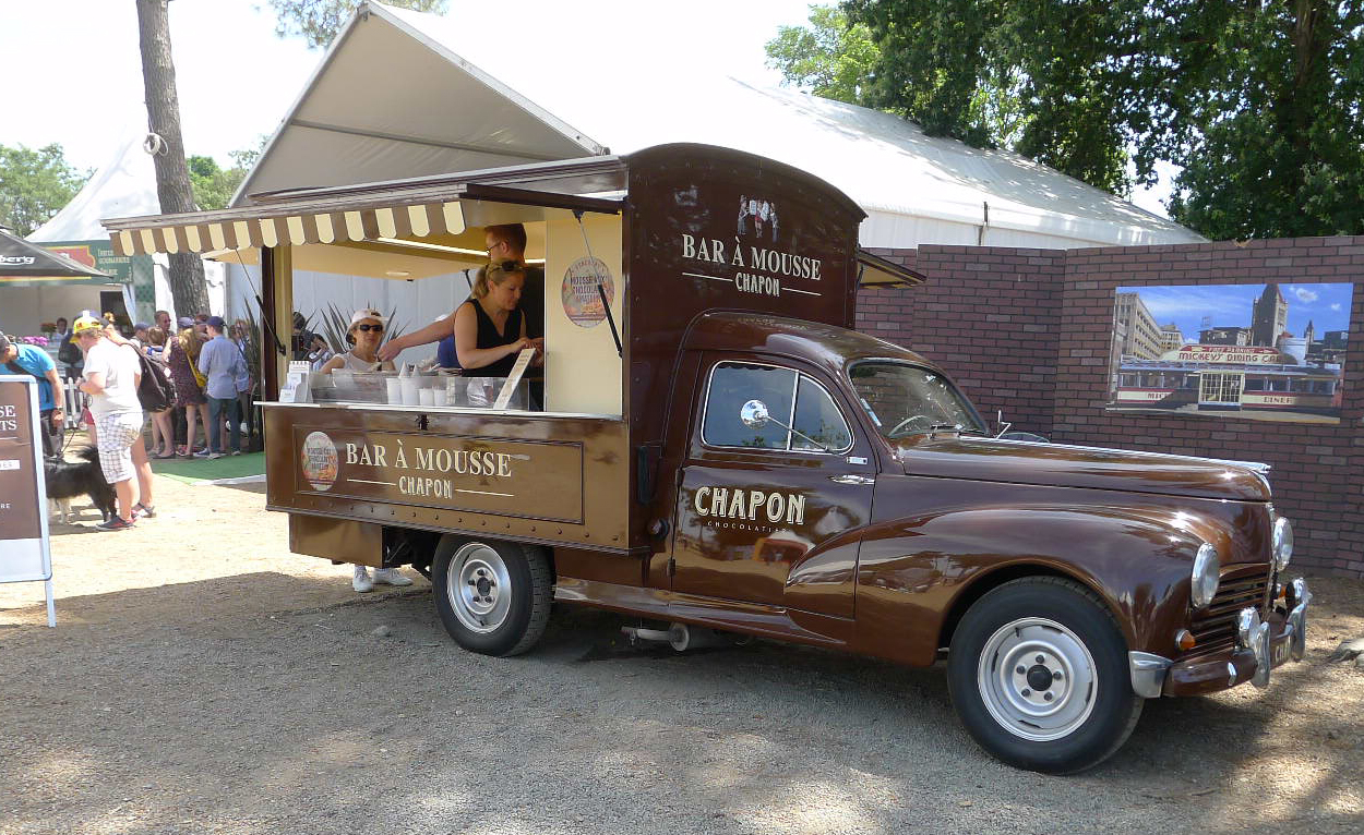 Cool Vintage Gourmet Food Trucks At The LeMans Classic