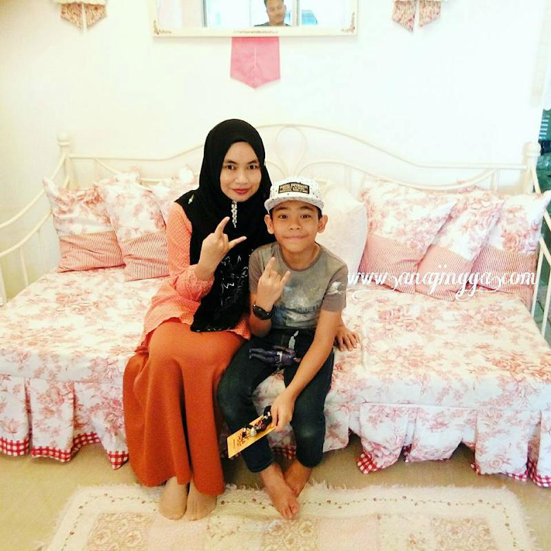 Aniq Ceria Popstar In The House