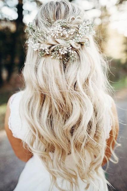 Cabelos grandes são ótimos para fazer penteados diferentes, fofos e lindos. Aqui você irá encontrar 10 ideias de penteados fofos para cabelos grandes. São penteados simples e fáceis de fazer. Penteados com flores e adereços especiais e penteados simples. Com tantas variedades de penteados você pode até ter dúvida em qual você irá escolher.