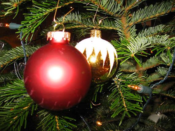 download besplatne pozadine za desktop 1280x960 slike ecard čestitke Merry Christmas Sretan Božić kuglice svjećice za bor