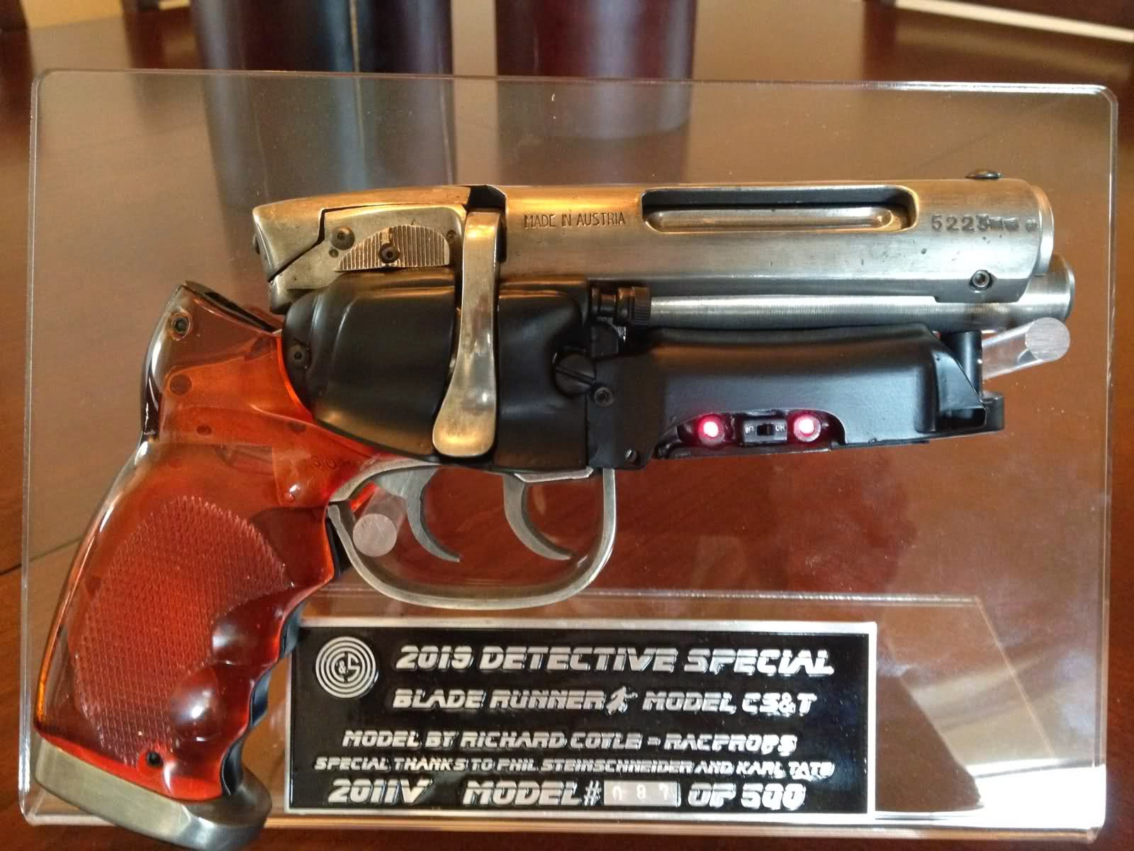 Future War Stories The Weapons Of Sci Fi Deckard S Blaster From Blade Runner