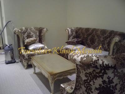 sofa tamu ukiran jati jepara klasik modern duco putih emas silver,furniture klasik mewah,jual mebel jepara013,toko jati,JUAL MEBEL JEPARA,AIFURINDO,MEBEL UKIRAN JEPARA,MEBEL KLASIK,MEBEL DUCO,MEBEL FRENCH,MEBEL KLASIK JEPARA,MEBEL JATI JEPARA KLASIK MODERN.