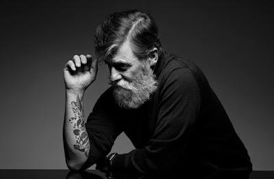 Usia 60 Tahun Bukan Penghalang Lelaki Ini Menjadi Model