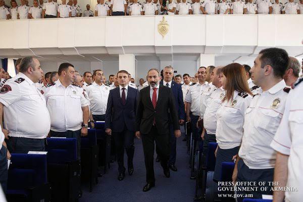 Pashinyan: la policía será garantes de la legalidad en Armenia