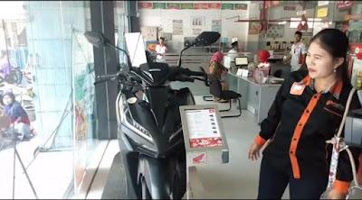 Viral, Wanita Asal Ponorogo Ini Bisa Beli Motor Setelah Menabung Uang Receh Selama Lima Tahun