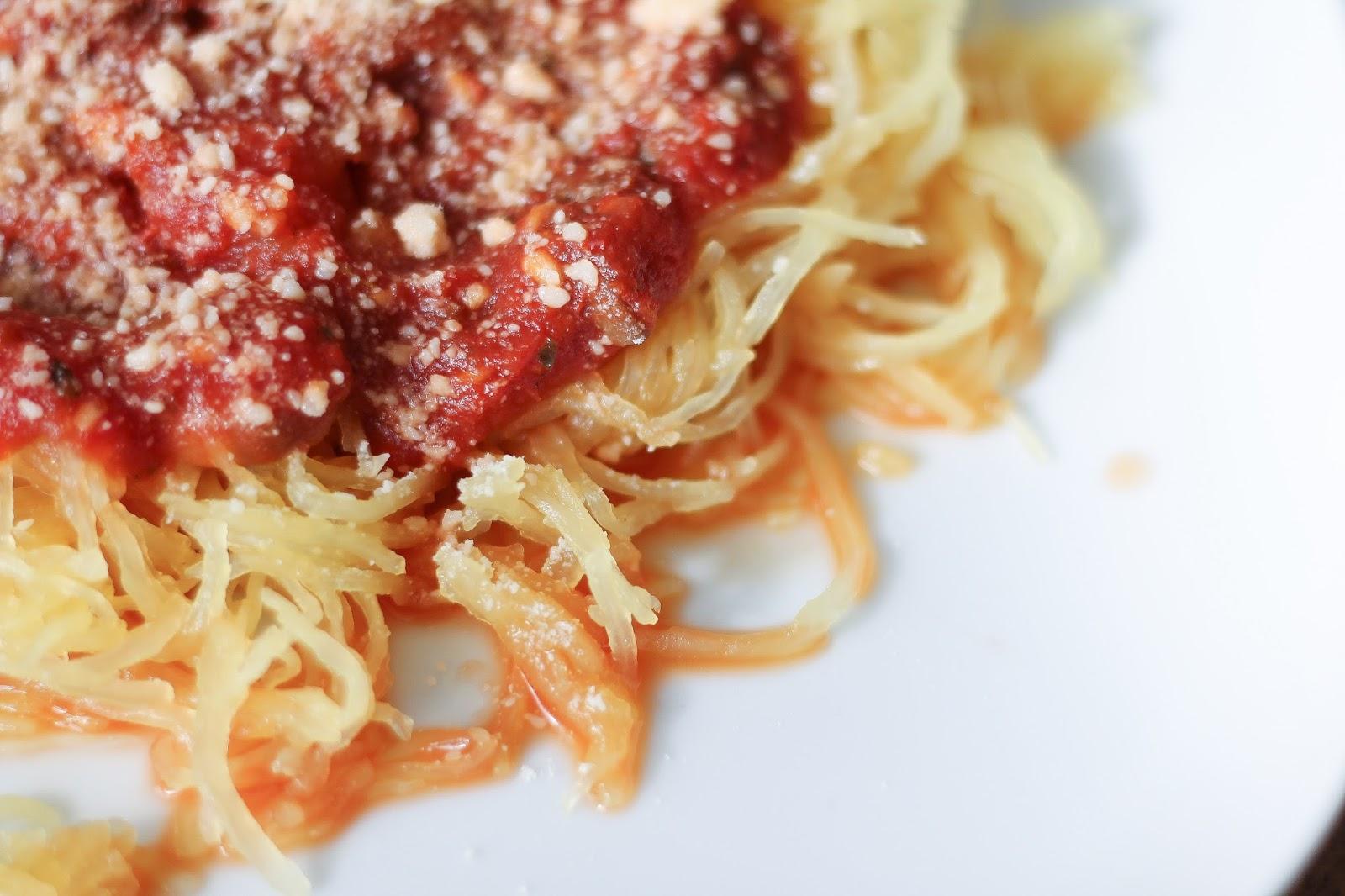 recipe: spaghetti squash with spicy marinara [28]