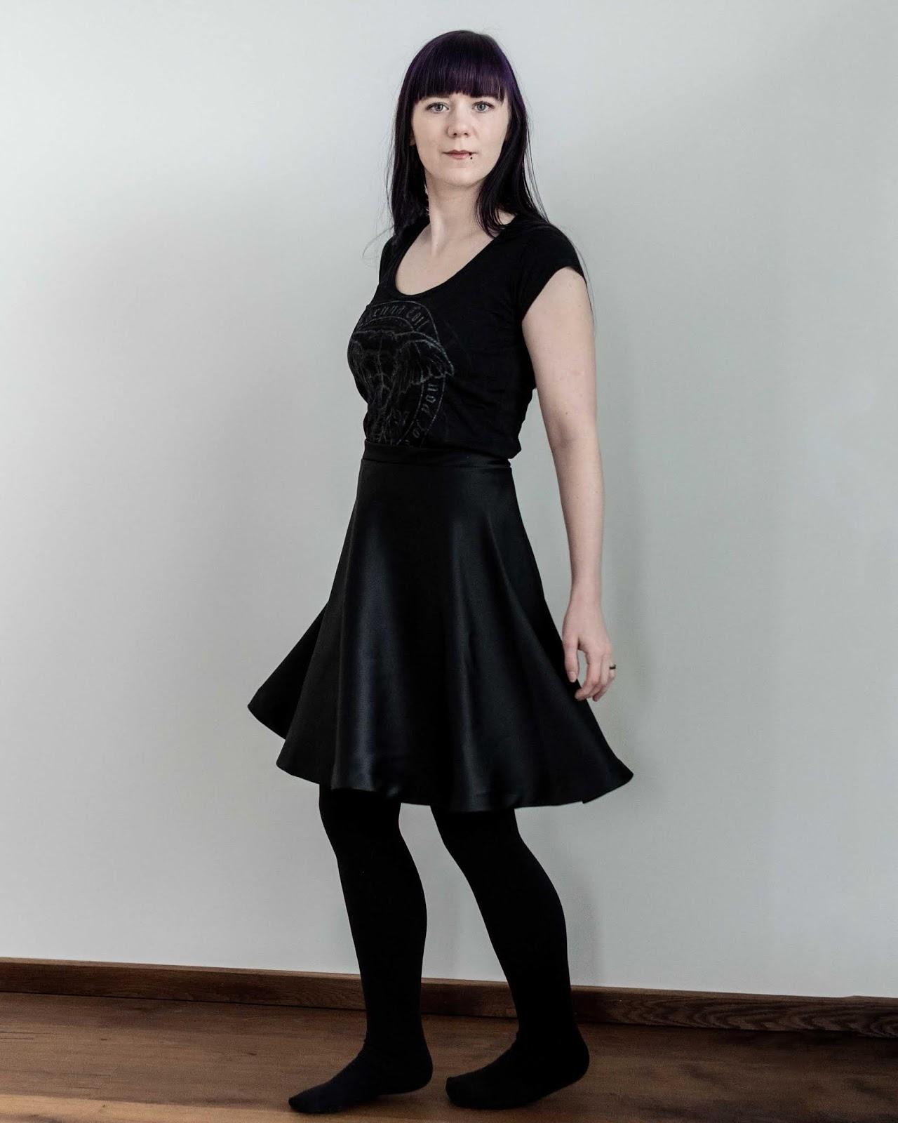 half circle skirt sewing Minn's Things calculator self drafted handmade diy free twirling woman