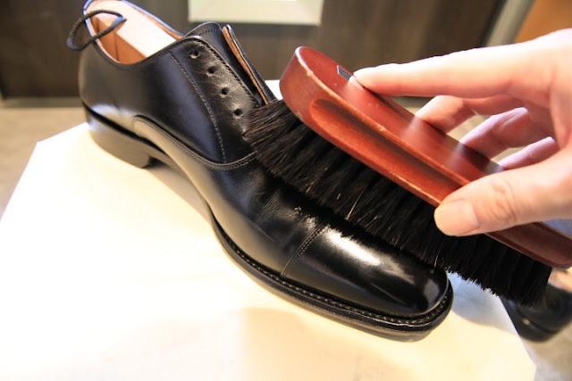靴磨き 馬毛 ブラッシング