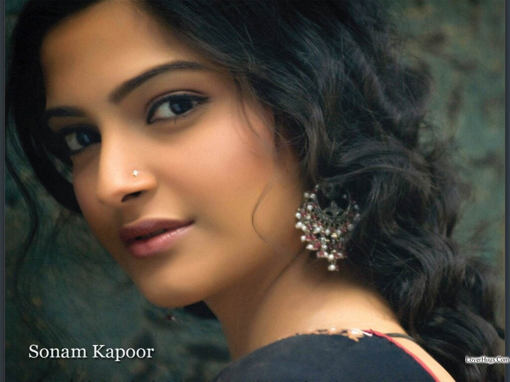 All Celebrity In Sonam Kapoor High Qualityhotwallpaper -9743