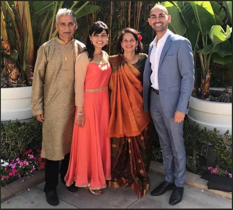photo Neil Patel bersama keluarga, sumber : namesbiography.com
