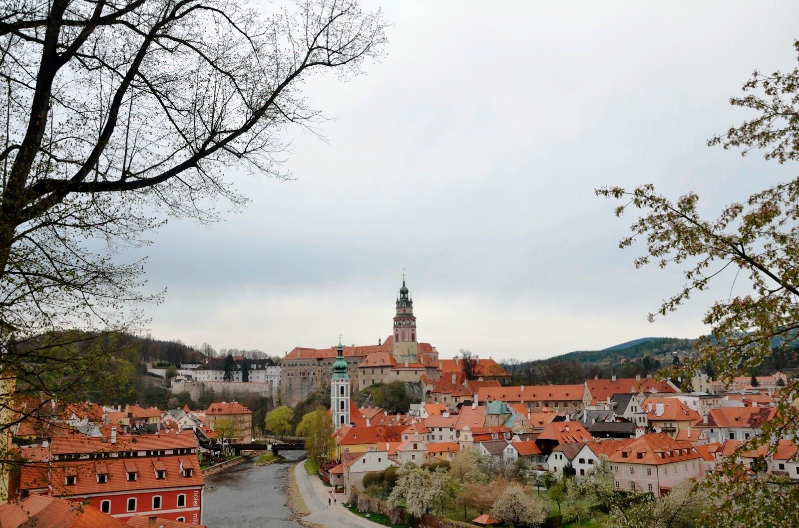 Vista de Cesky Krumlov con el castillo de fondo