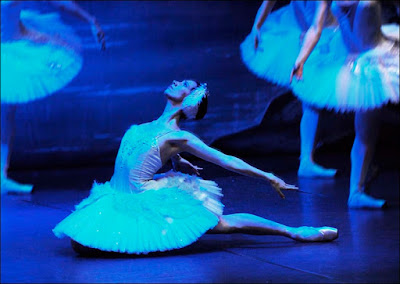 Ballet de San Petersburgo en El lago de los cisnes