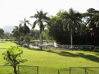 Tourist Place At Pune Saras Garden