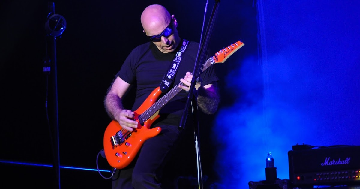 speakers in code concert photos joe satriani at talking stick resort in scottsdale arizona. Black Bedroom Furniture Sets. Home Design Ideas