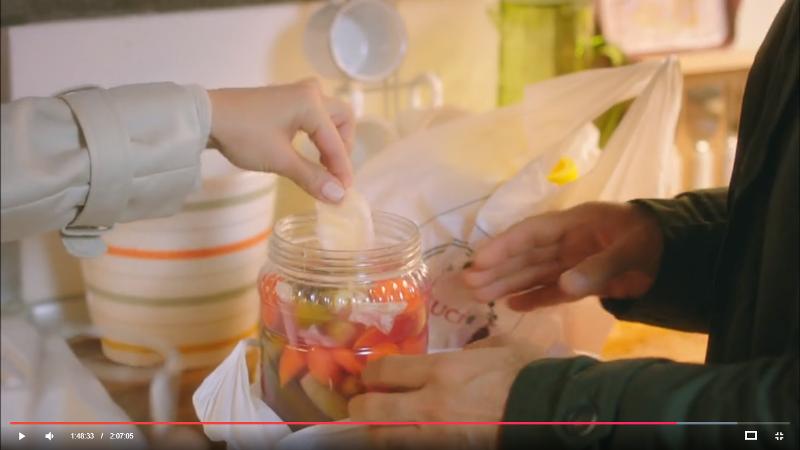Как сохранить цвет соленых огурцов