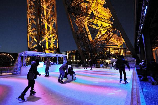 Pista de patinação da Torre Eiffel em Paris