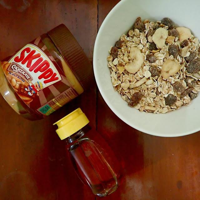 Muesli SKIPPY® Peanut Butter Energy Bars adalah salah satu menu yang pas untuk sarapan, khususnya bagi kaum urban