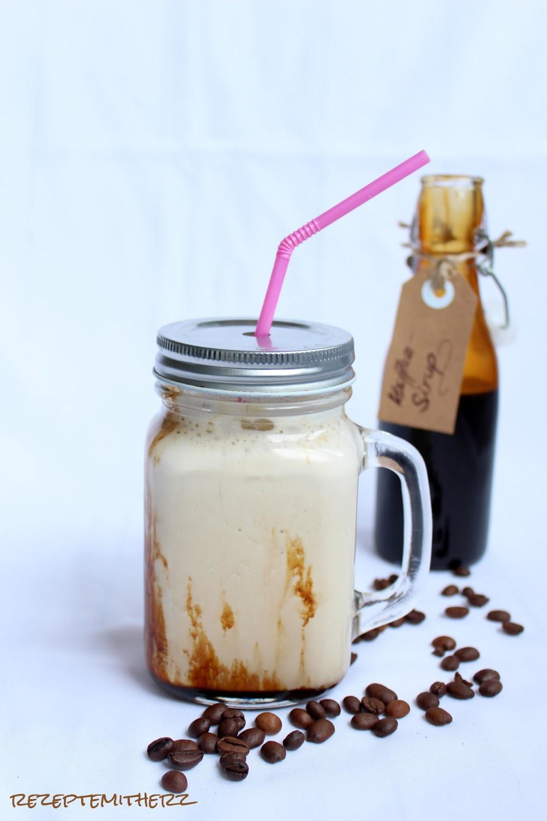 rezepte mit herz eiskaffee mit selbstgemachtem kaffee sirup. Black Bedroom Furniture Sets. Home Design Ideas