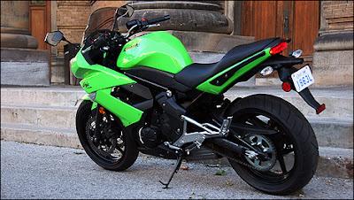 Kawasaki Ninja 400R 03