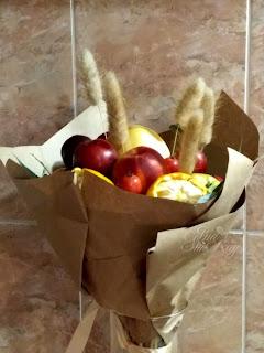 букет из конфет, фруктовый букет, сладкий букет, букет своими руками, упаковка букета,  яблочный букет , букет своими руками, настроение своими руками, вкусный букет, оригинальный подарок, подарок из ничего, Яна SunRay, настроение своими руками, мужской букет, колбасный букет