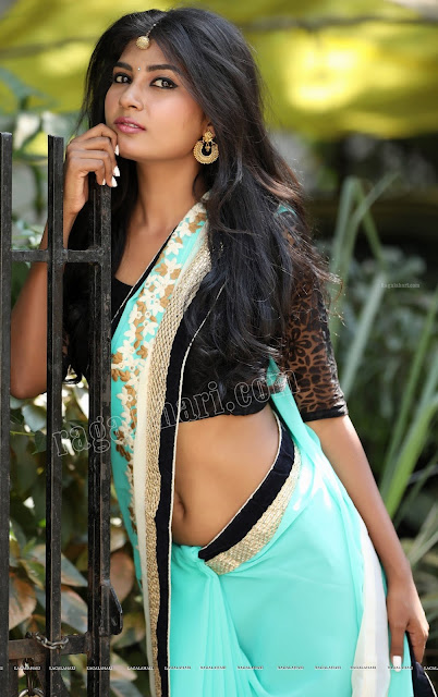 Sanjana Choudhary fans fap in nude navel hot deep navel public show pic