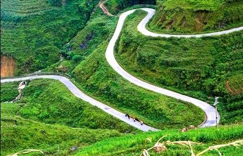 Con đường đèo mang tên Hạnh Phúc