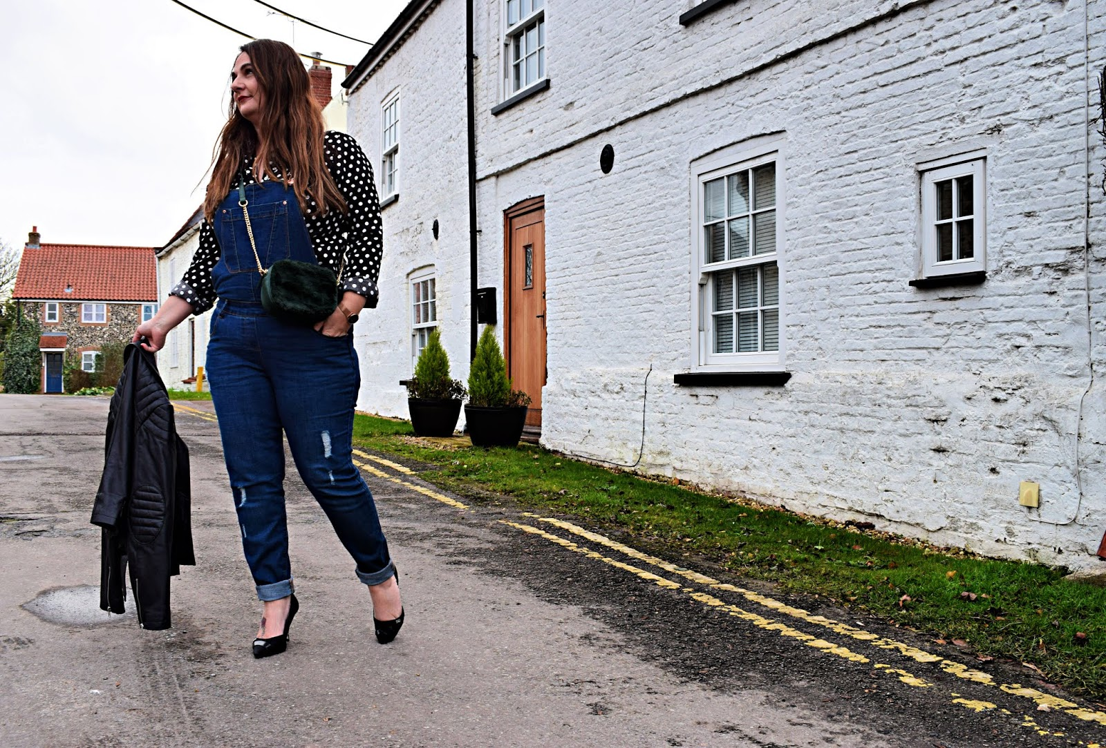 how to style dungarees for date night