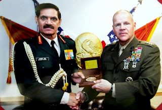 Comdt Marine Corp Gen Robert B Neller with COAS