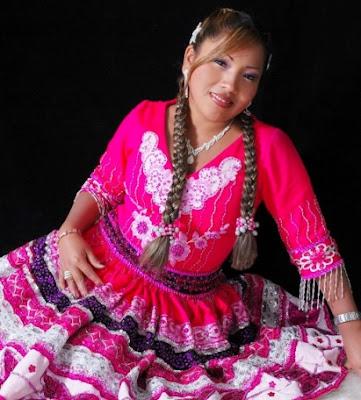 Foto de Rosita de Espinar con grandes trenzas