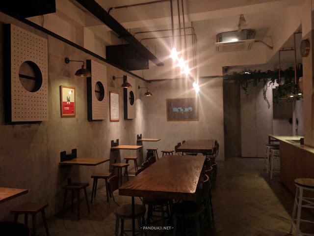 Suasana Kedai Kopi Doma Dona Jakarta Selatan