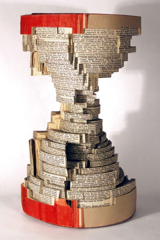 Скульптуры из книг. Brian Dettmer 22