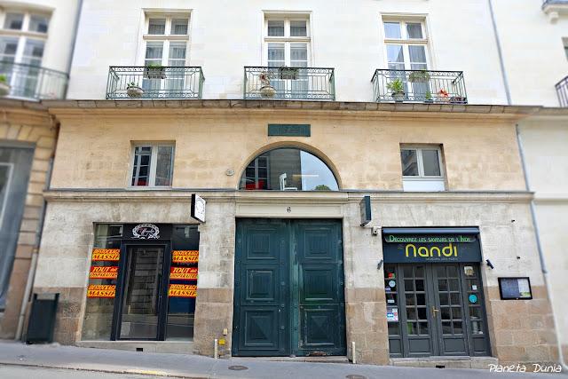 6 Rue Jean-Jacques Rousseau