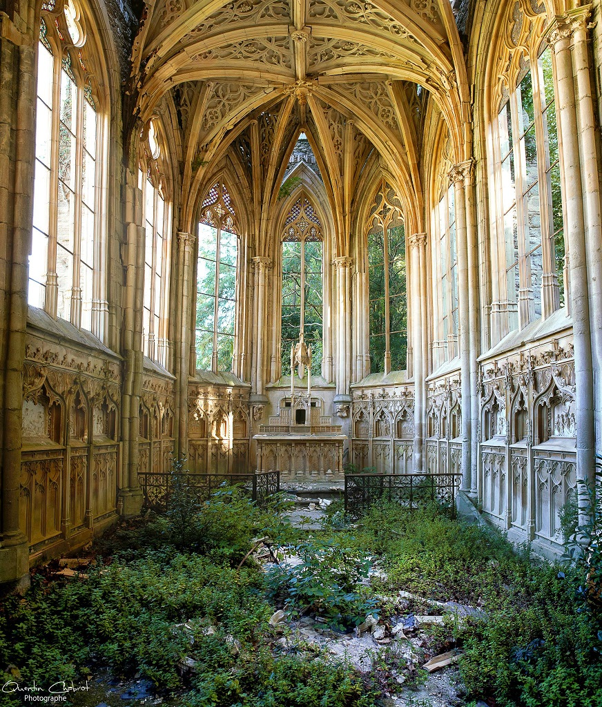 Abandoned Church deserted places: abandoned french churches
