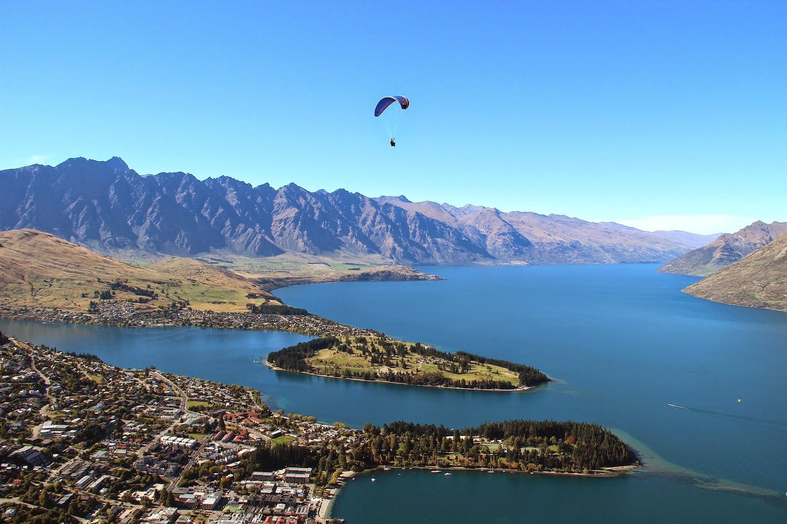 Lake Wakatipu Paragliding Queenstown