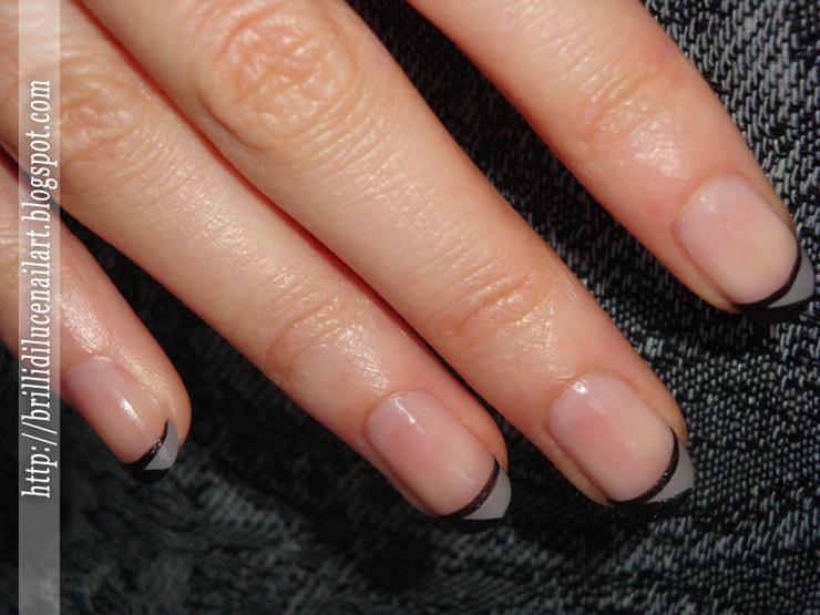 Famoso French nero-grigio | Brilli di luce Nail Art ES36