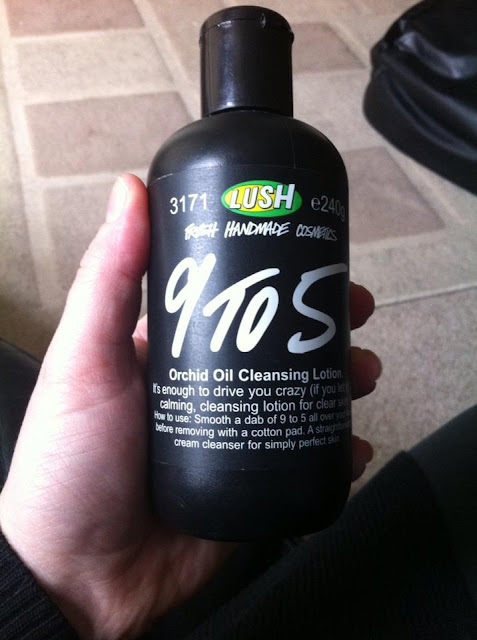 Lush 9 To 5 Cleanser
