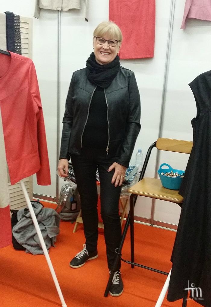 Lealeatherin jakku Tuula´s life -blogin Tuulan yllä