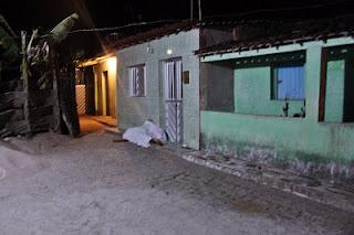 Mulher é morta com oito tiros de pistola, em Camocim de São Félix