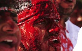 Keterlaluan! Syiah Menuduh Sujud dalam Shalat Abu Bakar RA untuk Berhala