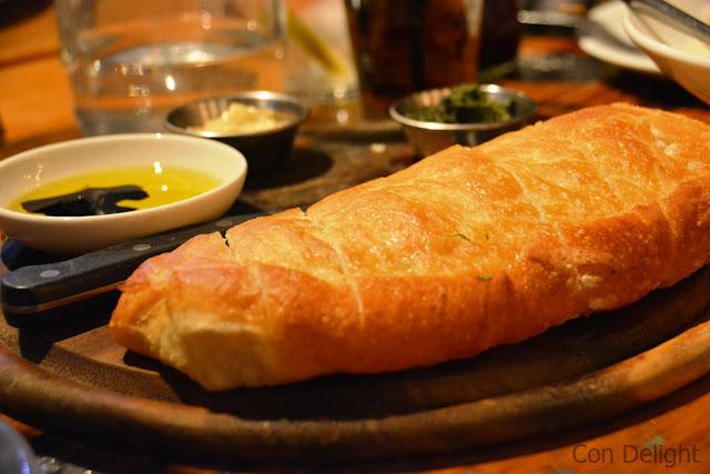 לחם הבית ברביקיו מסעדה bread from Bar B Que Australian restaurant