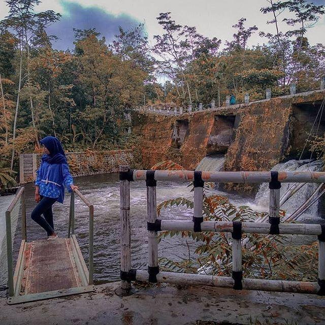 Joglo Pari Sewu - Makan sambil berwisata air di Jogja