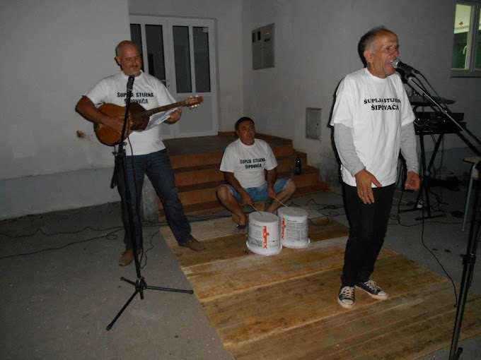 FOTO: Šuplja Stina koncertom proslavila 30 godina benda