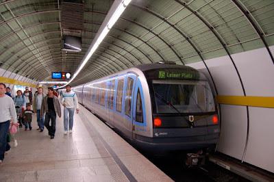 Perbedaan Moda Transportasi LRT, MRT dan KRL