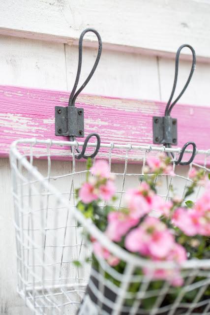 Garderobenleiste im Used Look für Blumendeko, Elfensporn