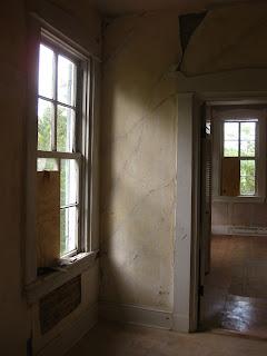 shadows, abandoned house