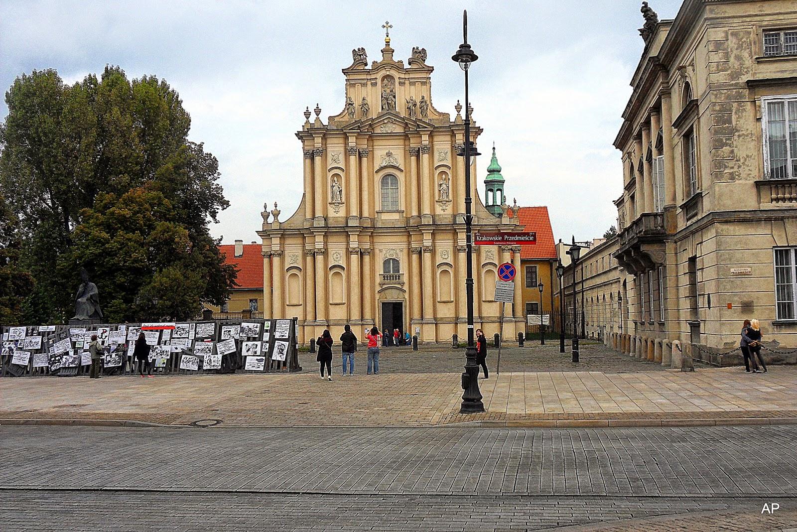 Die frühe neoklassizistische  Fassade der Karmelitenkirche